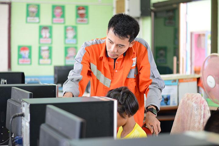 โครงการบรอดแบนด์อินเทอร์เน็ต เพื่อการศึกษาฟรี โรงเรียนบ้านคลองตะเข้ อ.กงไกรลาศ จ.สุโขทัย